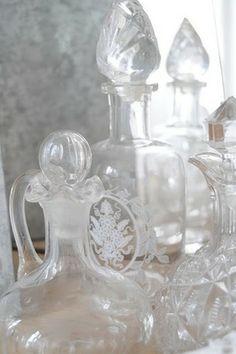 透明ガラスのボトルたち|ガラス製品の写真日記