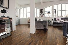 Perfekt für klassische Räume! Der Parkett Schiffsboden Bernsteinrobinie eignet sich für eine besonders natürliche Raumgestaltung.