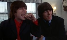 Photos of The Beatles in the 1965 movie Help! with John Lennon, Paul McCartney, George Harrison, and Ringo Starr. Beatles Band, Beatles Love, Beatles Photos, Great Bands, Cool Bands, Liverpool, Blue Jay Way, John Lennon And Yoko, Good Day Sunshine