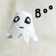 How to make a home ghost for Halloween. It's simple, easy and so much fun for kids!