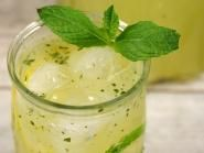 250 ml suc proaspat de lamaie si lime lamai + Beverages, Drinks, Smoothies, Lime, Pudding, Ethnic Recipes, Desserts, Food, Cocktail