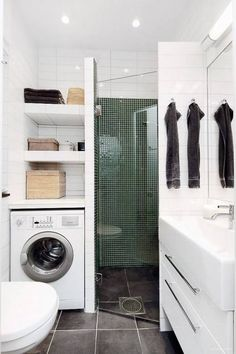 75 Beautiful Small Bathroom Shower Remodel Ideas - Page 54 of 76 Small Bathroom With Shower, Small Showers, Small Bathroom Storage, Bathroom Showers, White Bathroom, Master Bathroom, Blue Bathrooms, Storage Spaces, Bathroom Trends