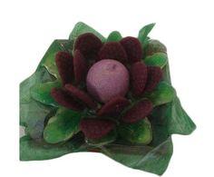 Lotto morada pequena – flores con chuches Medidas 15 cm x 15 cm Peso aproximado 200grs Precio : 4.50 https://elmundodelaschuches.com/tienda/flores-de-chuches/lotto-morada-pequena-flores-con-chuches/