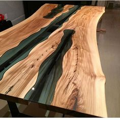 This has to be my favorite piece from @jeffmackdesigns. . . #woodworkforall #dowoodworking #woodwork #woodworking #wood #woodturning #woodporn #glass #river #kitchentable #rusticdecor #rustic #crafting #table #likesforlikes #like4like #ryobination #rigidnation #dewalt #craftsman #handmade #custommade #utah #bench #coffeetable #coffee #river