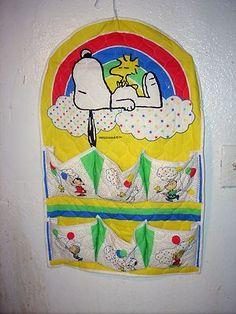 Vintage 1965 Peanuts Snoopy Nursery Baby Organizer - RARE!