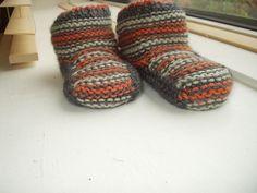 Ravelry: Slumber Slippers pattern by Lucinda Guy