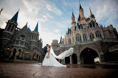 Disney's Fairy Tale Weddings & Honeymoons is everything you never knew you always needed. Photo: Beth, Disney Fine Art Photography