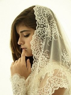 Authentic Spanish Mantilla Veil Spain Lace Church Catholic First Communion NWT First Communion Veils, First Holy Communion, Biblical Costumes, Catholic Veil, Mantilla Veil, Chapel Veil, Spanish Wedding, Embroidered Lace, Tulle
