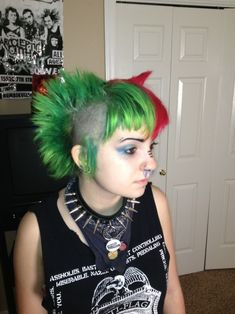 Bildergebnis für bi hawk short hair Short Hair Styles, Hair Cuts, Punk Girls, Fashion, Bob Styles, Haircuts, Moda, Fashion Styles, Short Hair Cuts