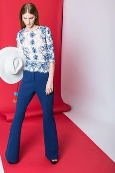 See the complete Tracy Reese Resort 2017 collection.