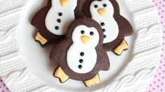 Wilton Polar Cookie cutter set- How to make a bear penguin & snow globe ...