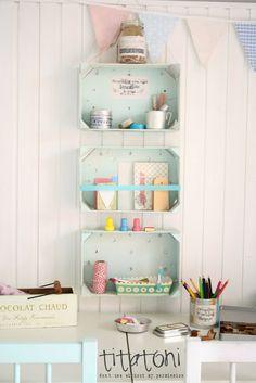 DIY shelves out of fruit boxes ^^| titatoni