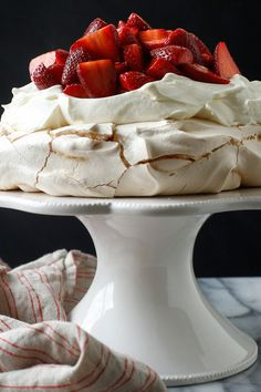 The particular joy of this dreamy dessert, which was named in honor of the Russian ballerina, is that the meringue base can be made in advance Then to serve it, drizzle the strawberries with a little balsamic vinegar and vanilla (a combination that brings Strawberry Pavlova, Strawberry Cupcakes, Flower Cupcakes, Strawberry Meringue, Banana Cupcakes, Easter Cupcakes, Christmas Cupcakes, Vanilla Cupcakes, Strawberry Recipes