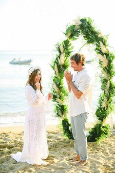 Surf arch- Maria & Nikos botanical-bohemian wedding in Greece | Tie the knot in Santorini- Weddings & Events in Greece