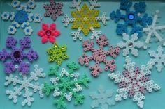 perles à repasser Noël - flocons de neige multicolores