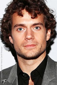 62 Ideas Hair Men Ondulado Henry Cavill For 2019 Henry Cavill, Curly Hair Men, Curly Hair Styles, Hc Hair, Men's Hair, Male Beauty, Haircuts For Men, Gorgeous Men, Sexy Men
