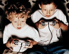 Worried about your childrens increasing addiction to video games. Here is an article to help you know what exactly are violent video games effects on children. Gears Of War, 1000 Awesome Things, Photo To Video, Video Game Magazines, Game Effect, Autistic Children, The Villain, Kids Education, Games For Kids