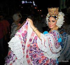 Pollera Zurcida-Calada - Elena del Pilar Tomas, Calle Arriba de Las Tablas, martes de carnaval del 2014
