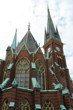 Oscar Fredrik Church (Gothenburg, Sweden) right around the corner where my cousin lives Sacred Architecture, Beautiful Architecture, Beautiful Buildings, Voyage Suede, Kingdom Of Sweden, Houses Of The Holy, Gothenburg Sweden, Cathedral Church, Old Churches