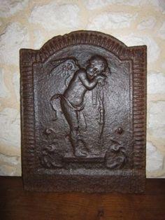 XVIII-ANCIENNE-PETITE-PLAQUE-DE-CHEMINEE-ANGELOT-CUPIDON