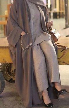 Fashion Tips Clothes .Fashion Tips Clothes Abaya Fashion, Muslim Fashion, Modest Fashion, Fashion Dresses, Fashion Fashion, Vintage Fashion, Fashion Tips, Iranian Women Fashion, Korean Fashion