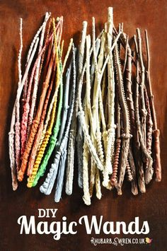 to Make a Magic Wand Out of a Stick Home-made DIY Harry Potter wands! Simple wand craft for kids using sticks!Home-made DIY Harry Potter wands! Simple wand craft for kids using sticks! Harry Potter Wands Diy, Harry Potter Kostüm, Harry Potter Thema, Harry Potter Cosplay, Harry Potter Characters, Harry Potter School, Harry Potter Halloween, Birthday Harry Potter, Harry Potter Kids Costume