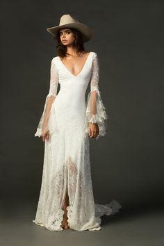 Grace Loves Lace Bridal Collection #weddingdresses @weddingchicks