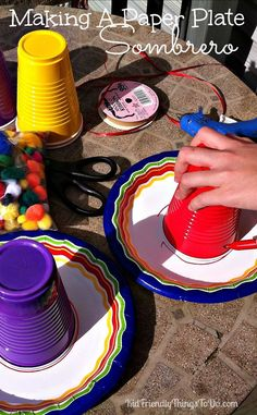 A Paper Plate Sombrero for a Cinco De Mayo Craft {Easy and Fun!} Make A Paper Plate Sombrero - Kid Friendly Things To Do . Mexican Birthday Parties, Mexican Fiesta Party, Fiesta Theme Party, Taco Party, Party Themes, Party Ideas, Paper Plate Crafts, Paper Plates, Kids Crafts