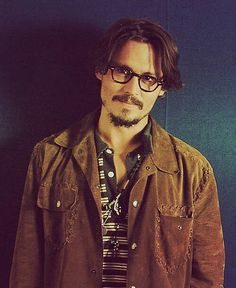 Oh, the things I would do to johnny depp.