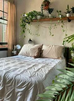 Nice 43 Amazing Makeover Design Ideas For Hipster Apartment. # - Nice 43 Amazing Makeover Design Ideas For Hipster Apartment. Room Design Bedroom, Room Ideas Bedroom, Bedroom Inspo, Hippy Bedroom, Bedroom Designs, Bedroom Art, Cheap Bedroom Ideas, Wood Bedroom Furniture, Bedroom Themes