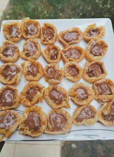 Chocolate Baklava Bracelets (Asawer El Sit) | Cleobuttera Sweets Recipes, Cooking Recipes, Desserts, Fudge, Graham, Chocolate Baklava, Ramadan Sweets, Arabic Dessert, Arabic Sweets
