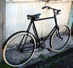 1905 Premier No. Old Bicycle, Wheeling, Bicycle Design, Vintage Bicycles, City, Frame, Sports, Products, Veil