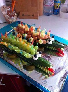 partyessen on pinterest funny food crocodiles and fruit kebabs. Black Bedroom Furniture Sets. Home Design Ideas