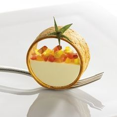 Gastronomie Magazine - juillet 2015 Ideas that inspireIdeas that inspire Fancy Desserts, Gourmet Desserts, Plated Desserts, Gourmet Recipes, Cooking Recipes, Gourmet Food Plating, Gourmet Foods, Weight Watcher Desserts, Beautiful Desserts