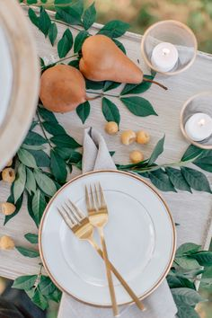 Intimate Wedding Ideas In Blues And Greens via Magnolia Rouge