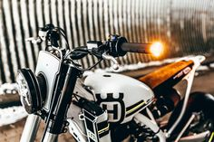 Cafe racers, scramblers, street trackers, vintage bikes and much more. The best garage for special motorcycles and cafe racers. Cafe Racers, Ktm Cafe Racer, Cafe Racer Seat, Custom Cafe Racer, Moto Street Tracker, Tracker Motorcycle, Motorcycle Style, Moto Bike, Ktm Dirt Bikes