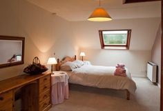 Cobbles Cottage, Talgarth, Brecon, Powys, Wales. Self Catering Holiday Accommodation. Travel. Abergavenny Food Festival. Brecon Beacons Food Festival. Hay on Wye Walking Festival Hay Winter Weekend