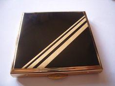 Vintage Art Deco powder compact