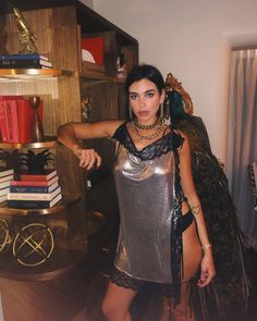 Happy new year for all! I hope you enjoy the photos of dua Lipa that I share with you. Nelly Furtado, Beautiful Dua, Most Beautiful Women, Christina Aguilera, Stage Outfit, My Dua, Gal Gadot, Fashion Models, Models Style