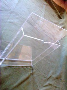 Display Porta folders em acrílico cristal 2,4mm tipo A4 de mesa