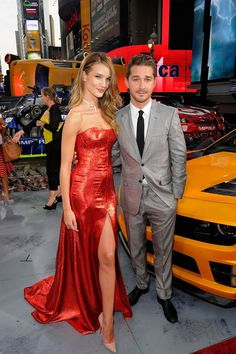 Rosie Huntington-Whiteley wears a sexy slit dress at Transformers premiere