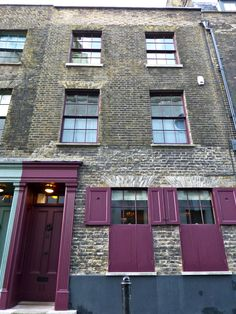 The grand mansions of Spitalfields...