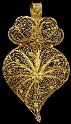 Place of origin: Oporto, Portugal (probably, made) Date: ca. 1860 (made) Artist/Maker: unknown (production) Materials and Techniques: Gold filigree pendant Filigree Jewelry, Black Gold Jewelry, Gold Filigree, Victorian Jewelry, Jewelry Art, Antique Jewelry, Vintage Jewelry, Ethnic Jewelry, Wire Jewelry