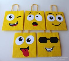 Emoji Smiley bags Emoji birthday party decorations for - Modern Diy Birthday, Birthday Party Decorations, Emoji Decorations, Birthday Emoji, Creative Gift Wrapping, Creative Gifts, Party Favor Bags, Goodie Bags, Mothers Day Crafts