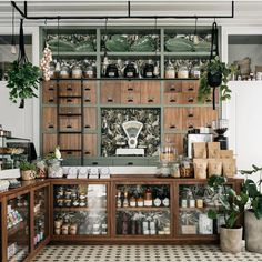 Prado Mercearia, Lisbon 📷 What a beautiful grocery shop! We love ALL the details from the wallpaper to the… Coffee Shop Design, Cafe Design, Store Design, Shop Interior Design, Tienda Natural, Apothecary Decor, Apothecary Cabinet, Deli Shop, Retail Interior