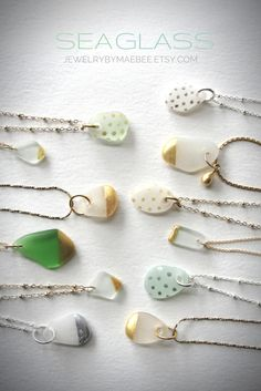 Diy Jewelry : Gold-dipped Seaglass necklaces www. Diy Jewelry To Sell, Diy Jewelry Making, Jewelry Crafts, Handmade Jewelry, Etsy Jewelry, Shell Schmuck, Diy Schmuck, Schmuck Design, Sea Glass Necklace