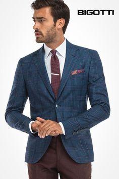 The #plaid #blazer – a #flexible #piece of #menswear. www.bigotti.ro #moda #barbati #sacouri #carouri #stilmasculin #mensfashion #mensclothing #mensstyle #fashiontag #inspiration #stylingtips #wardrobe #essentials #reduceri #sales #ootd #ootdmen