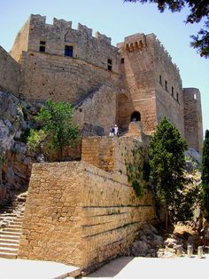 Medieval City of Rhodes (Rhodes - Greece) Crete Island, Greece Islands, Beautiful Islands, Beautiful Places, Amazing Places, Greece Rhodes, Faliraki Rhodes, Greece Architecture, Medieval