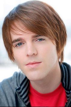 Shane Dawson <3 Uwah! I'm so proud that he finally reached his dream of having a T.V show! It's called 'Losin' It' on NBC and is inspired by Shane's real life experiences!