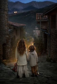 ..the streets of Arseguel.. by Elena Shumilova  I'm so glad to announce the California workshops! 4-9 April 2017. The details and feedbacks of last year here: http://www.elenashumilovaworkshop.com FB group: https://www.facebook.com/groups/955921837830568/ Elena Shumilova: Photos
